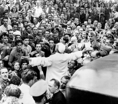 Pope Pius XII & the people of Rome